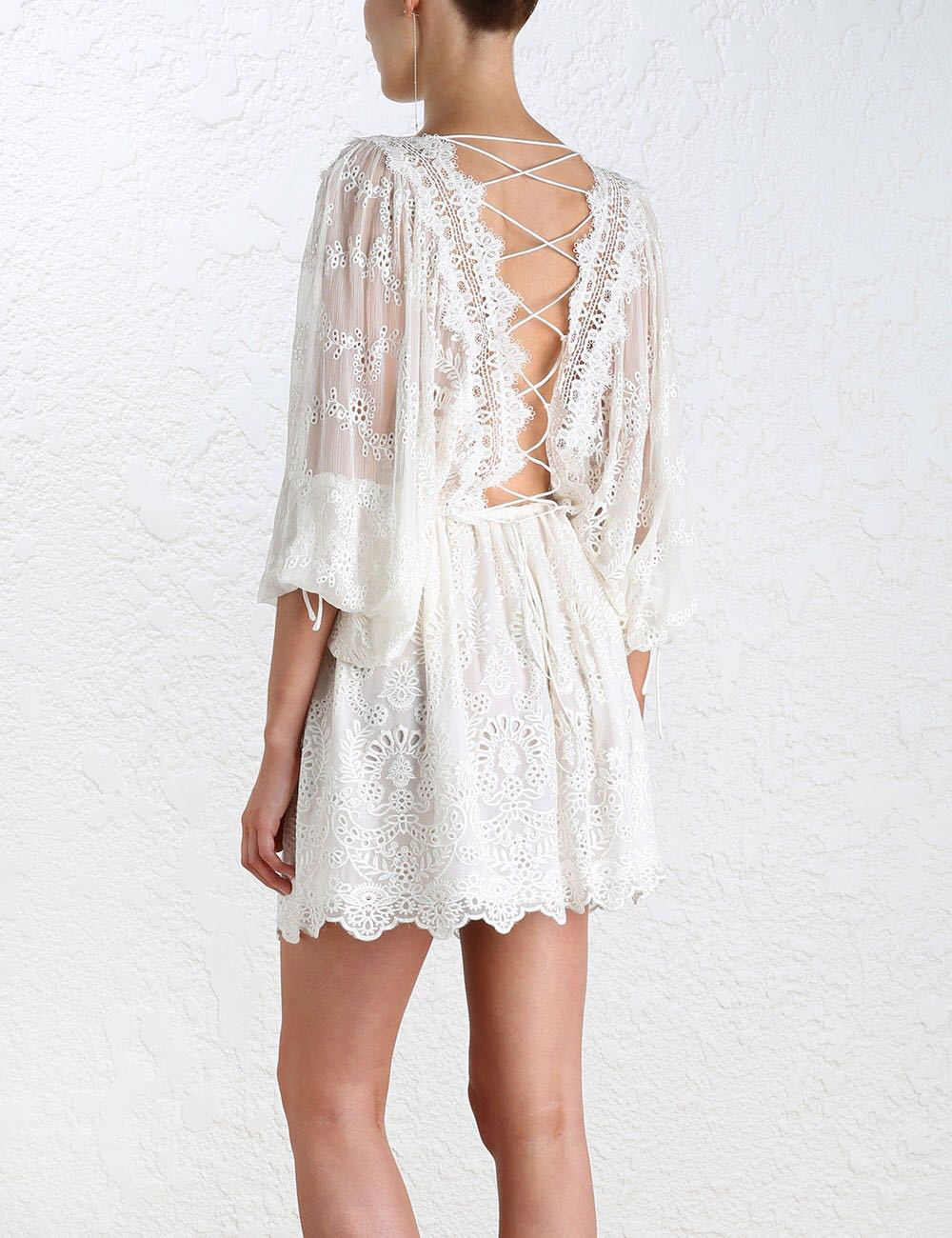 Bohemian Gypisy Robe Femme Tunique Hippie Boho Embroidery Crochet Lace Up Long Sleeved Women White Backless Summer Beach Dress