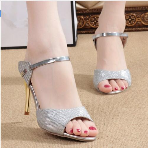 где купить 2017 High Heels Sandals Ankle-Wrap Women Sandals Beautiful Ladies Silver Gold Sandals Summer Shoes по лучшей цене