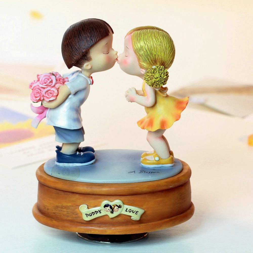 Aliexpress.com : Buy Rotating Music Box Resin Lovers Music Box Birthday Gift Girlfriend Wedding