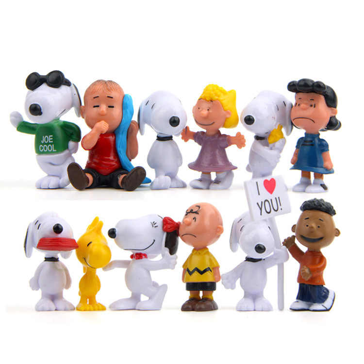 12 pcs New Peanuts Charlie Brown Amigos Beagle Woodstock Menina Brinquedos Action Figure Collectible Mascote