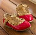 Los Niños calientes Zapatos Planos de La Princesa Muchachas de Los Niños Remaches Solos Zapatos Niños Zapatos de Cuero Zapatos de Las Muchachas EU22-34