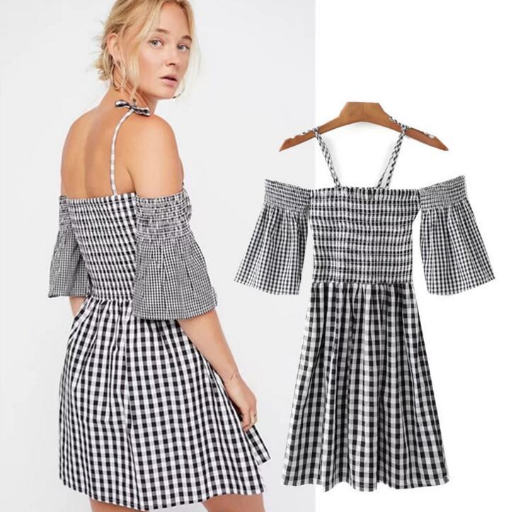 Плиссированное платье до колена