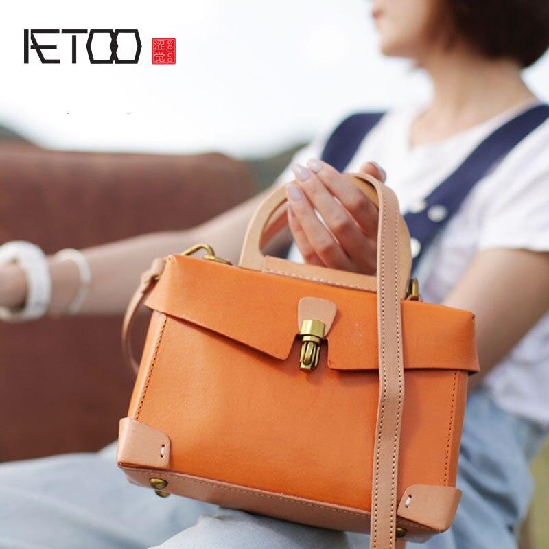 AETOO Retro literary female bag small square bag handmade leather doctor bag small fresh leather portable diagonal shoulder bag