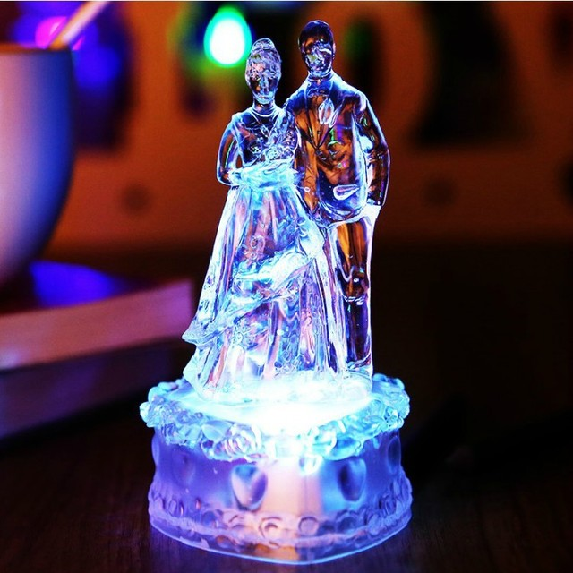 2017 New Acrylic Bride And Groom Wedding Cake Topper Colorful Crystal Led Decorations Birthday Christmas