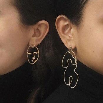 c231d98b7f66 2017 nueva moda oro plata cuerpo declaración pendientes colgantes para  mujer Luna cara alambre en forma de pendientes niñas Bijoux pendientes  largos