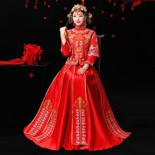 Купить с кэшбэком Embroidery Bride Red Chinese Traditional Wedding Dress Qipao Woman Vintage Cheongsam Oriental Style Dresses Robe Mariee Qi Pao