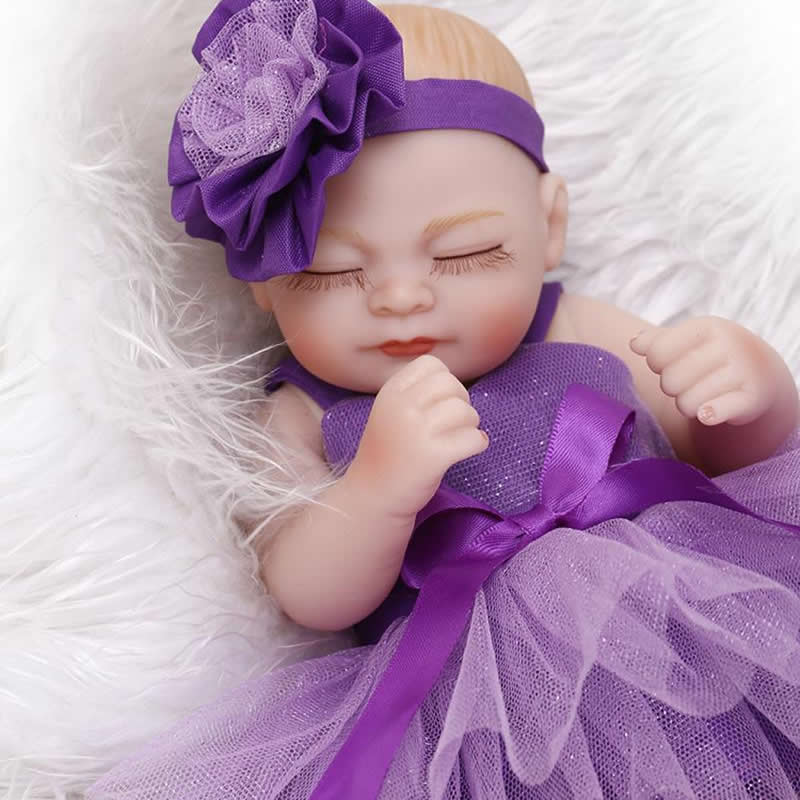 Closed Eyes Girl Body 11 Inch Reborn Baby Girl Doll Lifelike