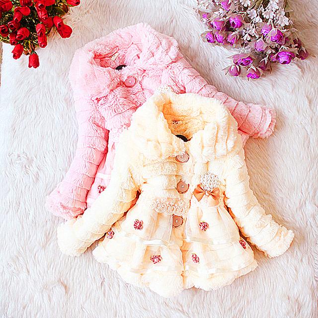 Entrega gratuita de los niños de la marca de clothing girls invierno 2017 niña o cuello de abrigo prendas de vestir exteriores del niño niña ropa de encaje