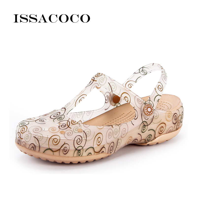 ISSACOCO 2018 Shoes Woman Slippers Summer Shoes Jelly Shoes Clog Summer Sandals Beach Garden Breathable Shoes Zapatillas Pantufa