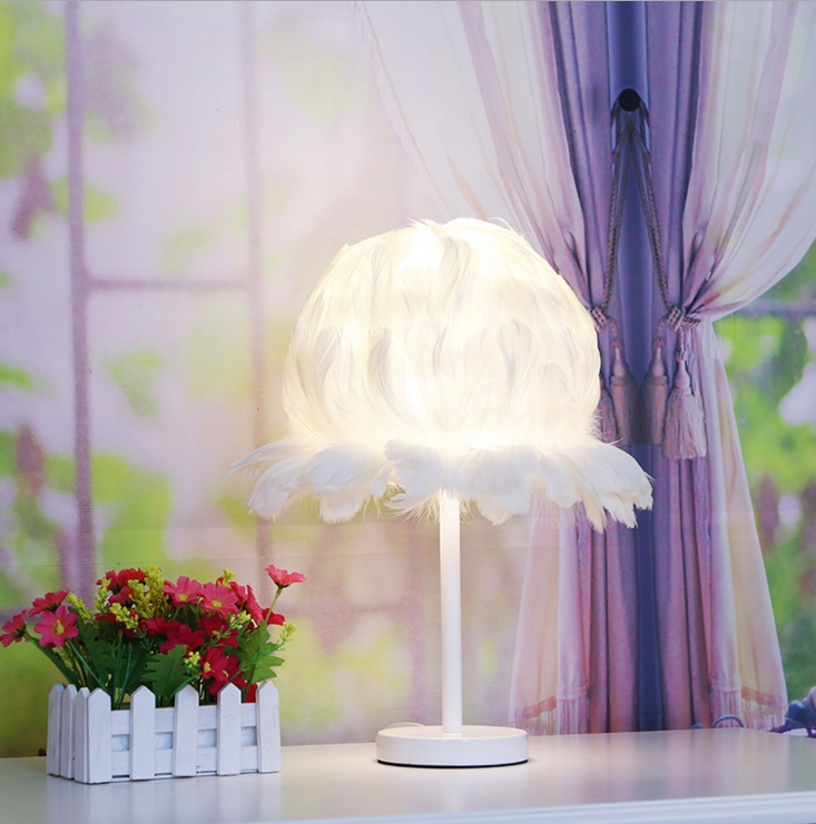 Table Lamp Feather Living Room Lamps Desk Night Lights Beautiful Light Living Simple Wedding Room Bedroom Bedside White