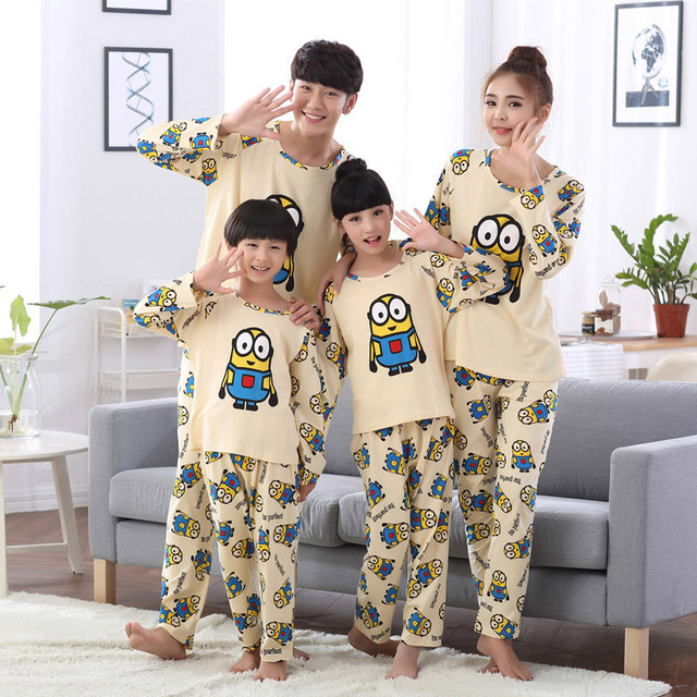 2d934adcf5 Family Matching Christmas Pajamas 100% Cotton Top Quality Father Son Mother  Daughter Pyjamas Clothes Home Clothing Dad Baby Set