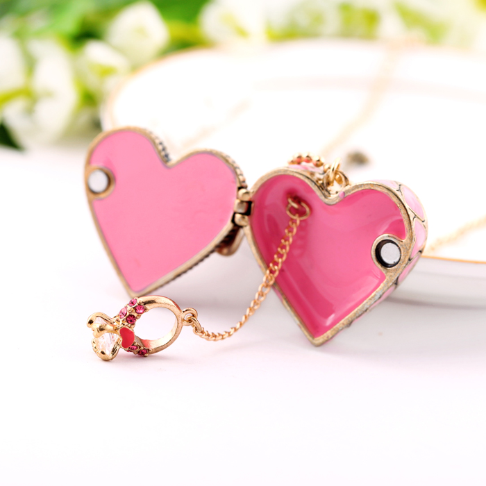 Sweet New Fashion Elegant Jewelry Pink Opened Heart Necklace Pendant Antique Gold Color Vintage Necklace Gift Multan
