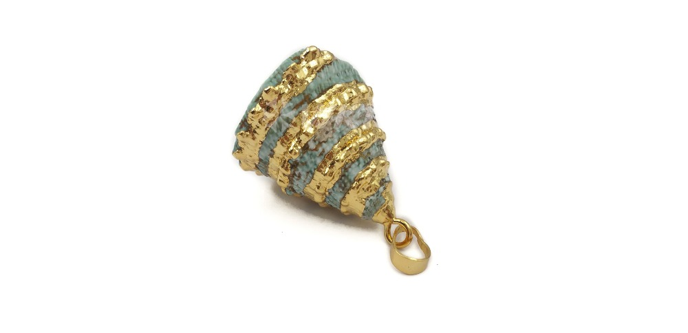 JP137 Green Color Trumpet Shell Pendant Gold Tirm Hollow Shell Pendant In Random Size Natural Sea Shell Pendant Jewelry