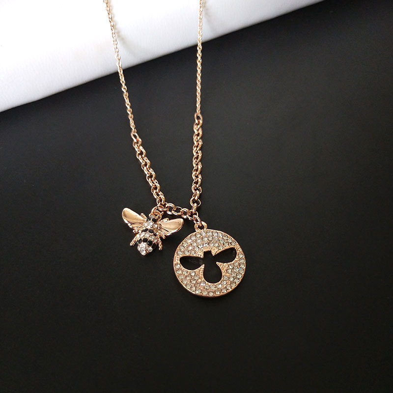 High Quality Simple Rose Gold Littie Bee Pendant Necklace Women Girl Luxury Round Hollow Out Bee Necklaces Fashion Party Jewelry