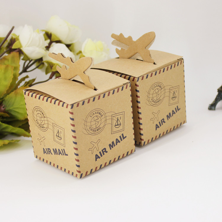 50pcs Air Mail Plane Candy box Travel Theme kraft paper gifts box Wedding Airplane Chocolates box Souvenirs scatole regalo