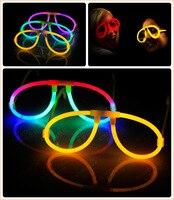 50 setleri Plastik Gözlük Standları ile 100 adet Parti Işıltılı Glow Işık Sticks Floresan Sopa Parti Konser Festivali Iyilik