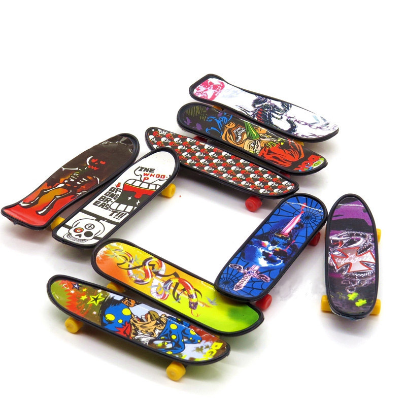 Finger skateboard Toy DIY Creative Game Finger Skateboard 10cm Finger skateboard Novelty Toy