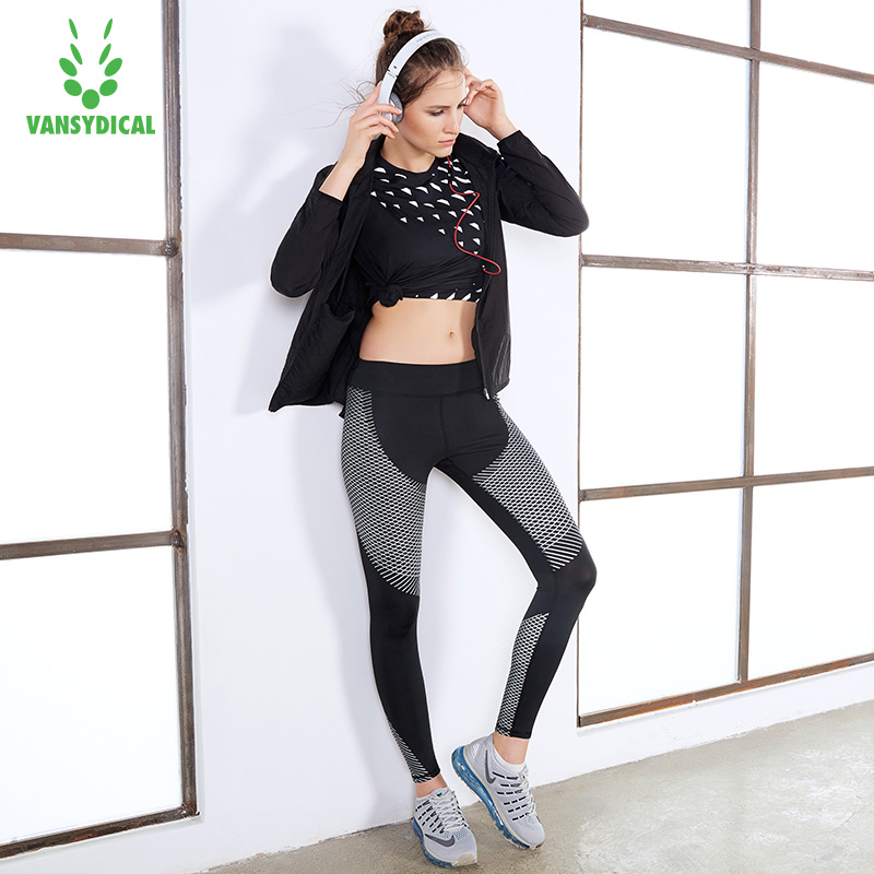 Yoga suit 3pcs of set womens summer gym clothing fitness running suits short sleeve show thin fast dry fitness vest leggings