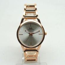 Enkel Mode Kvinnors Hollow Armband Lady Watch