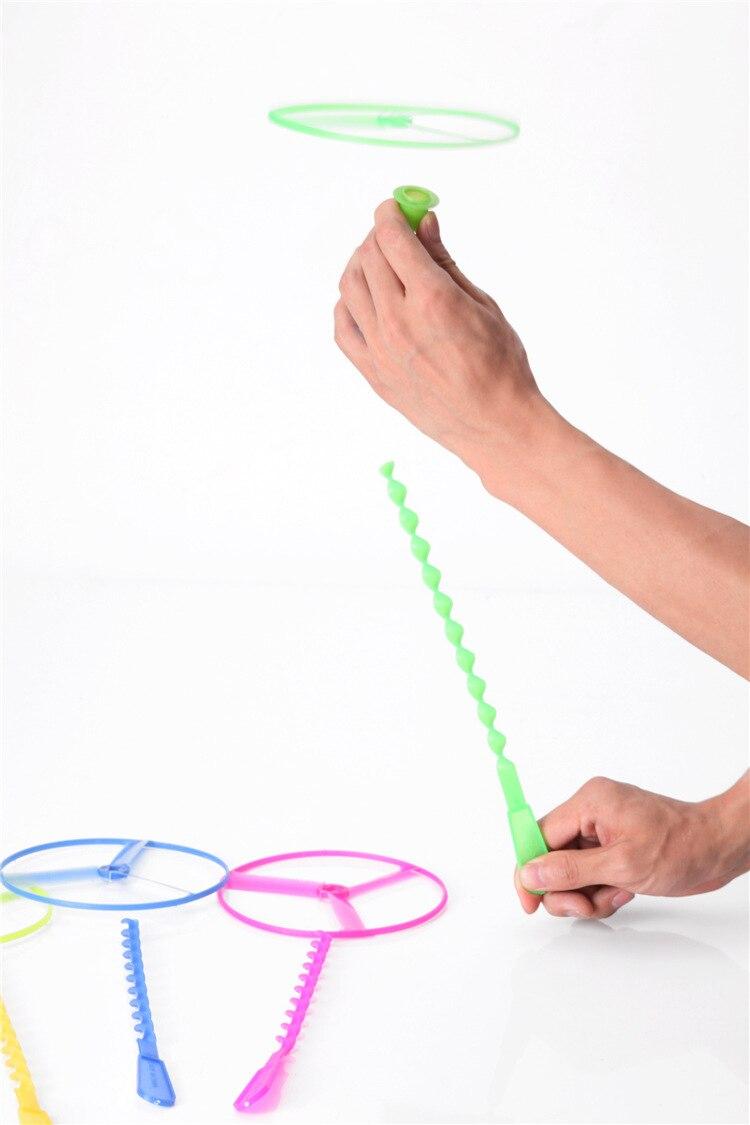 2 pièces jouets de nouveauté en gros fée volante soucoupe volante UFO roue volante gyroscope fait à la main en bambou libellule cadeau GYH S40