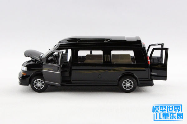 Brand New 1/32 Scale Car Model Toys GMC Caravan RV Diecast Metal Flashing Musical Pull Back Car Toy For Gift/Kids/Collection