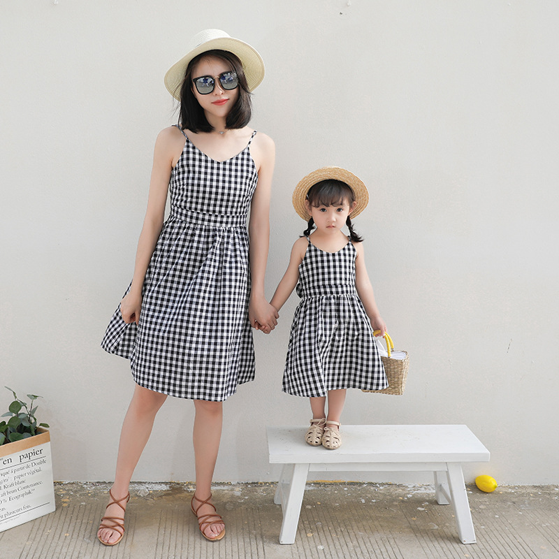 Family matching mother daughter mommy and me clothes family look girls korean clothing women summer dress vintage outfits 20 2018 new mother daughter dress family matching outfits fashion mommy and me long dress family fitted party clothing