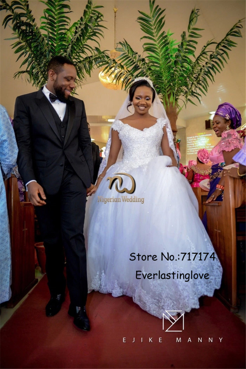 New fashion nigerian v neck lace crystals ball gowns plus size new fashion nigerian v neck lace crystals ball gowns plus size wedding dresses customized made bridal gowns vestidos de noiva in wedding dresses from ombrellifo Images