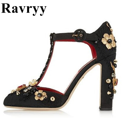 цена Retro Style Metal Rivets T Strap Women Pumps Sexy Thick High Heels Wedding Shoes Woman 2018 Autumn New Gold Flowers Party Shoes