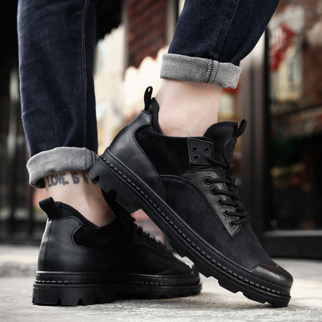 2018 Super Winter Casual Shoes Men Genuine Leather handmade Short Bootie non-slip Male boots warm winter mens sneakers man black