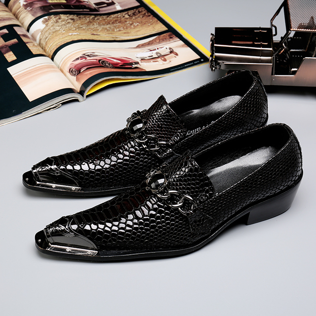 Metallic Mens Shoes Chains Flats Mens Patent Leather Loafers Mens Black Dress Formal Shoes