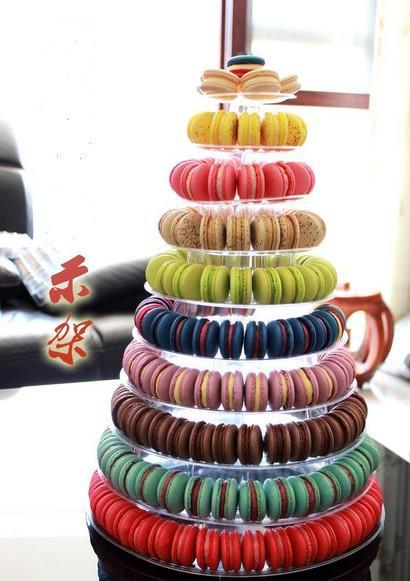 Mondaine Café & Macarons in Amsterdam – Macarons & Bubbly