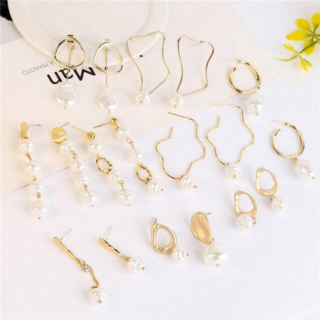 ファッション天然淡水真珠のイヤリングゴールド色金属幾何学的な不規則なサークルグッズコインメダリオンドロップイヤリング