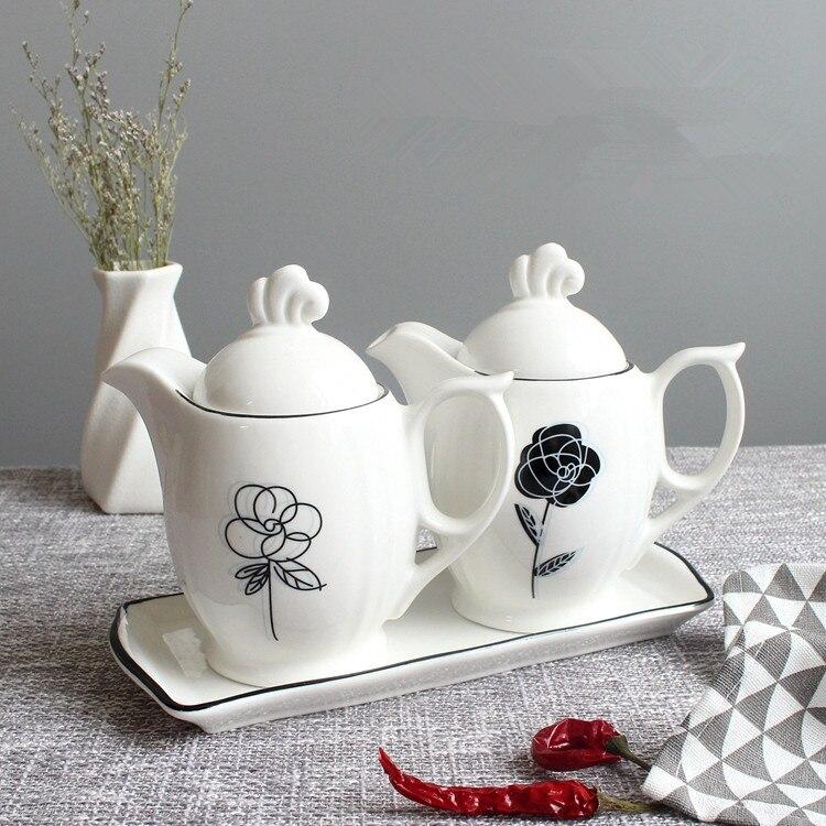 Kitchen ware ceramic suit seasoning pot seasoning bottle with lid and shelf spoon