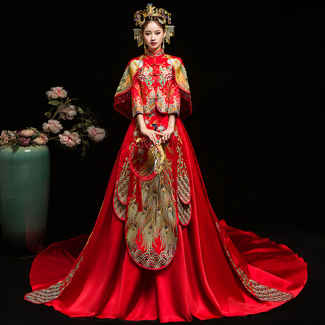 3ff483a653728 US $225.0 55% OFF|Bride Cheongsam Vintage Chinese Style Wedding Dress Retro  Toast Clothing Lady Embroidery Phoenix Gown Marriage Qipao red Clothes-in  ...
