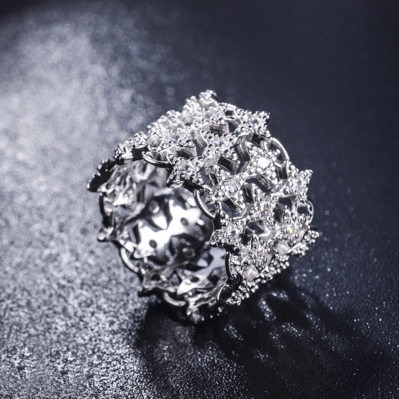 Luxury Brand 2020 New Hollow Stars Wide Ring Crystal From Austrian Woman European Style Creative Delicate Lace Ring