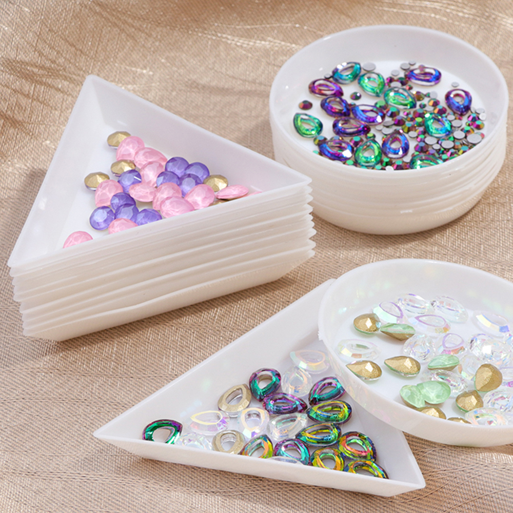5pcs White Triangle Round Plastic Rhinestones Beads Crystal Nail Art Sorting Trays Nail Items Storage Display Stand Tool SAA11
