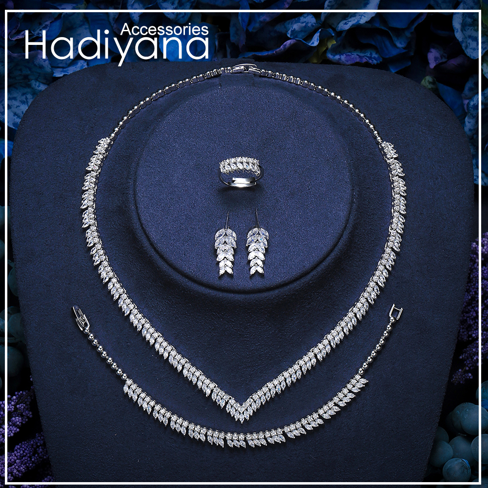 Hadiyana New Sparkling Clear Cubic Zircon Jewelry Sets Fashion Women Deep V Costume Jewelry 4pcs Set Dress Accessories TZ8155Hadiyana New Sparkling Clear Cubic Zircon Jewelry Sets Fashion Women Deep V Costume Jewelry 4pcs Set Dress Accessories TZ8155