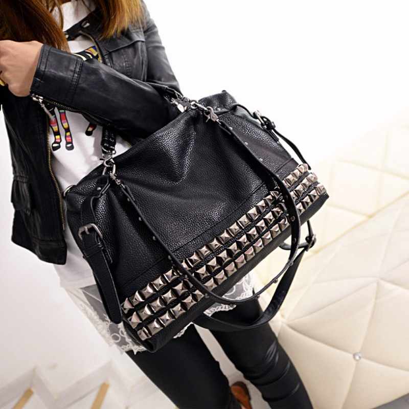 Lady Rivet Crossbody Bag Women Motorcycle Bags 2017 New Fashion Handbags Studded Shoulder Bag Messenger Female Handbags Soft все цены
