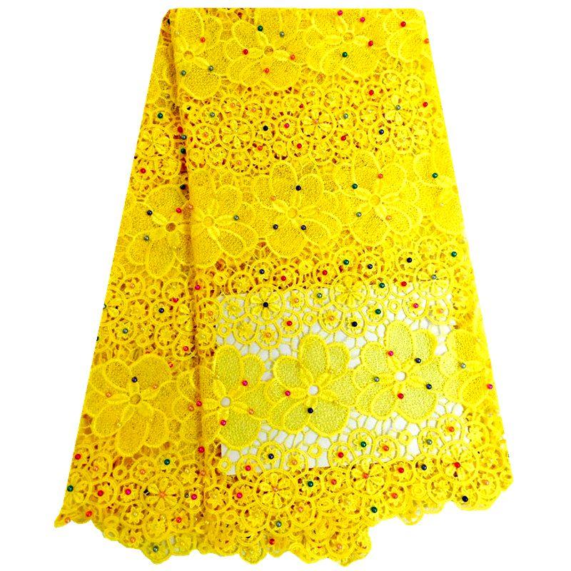 Gratis Verzending! Gele Kleur Borduurwerk Afrikaanse Koord Veters Zwitserse Guipure Kant Stof met Kralen Voor Nigeriaanse Trouwjurk F0209-in Kant van Huis & Tuin op  Groep 1
