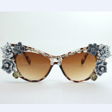 Top brand designer Plate Frame Ms. sunglasses 4180 Elegant and beautiful flowers Gorgeous Ladies essential fashion personality