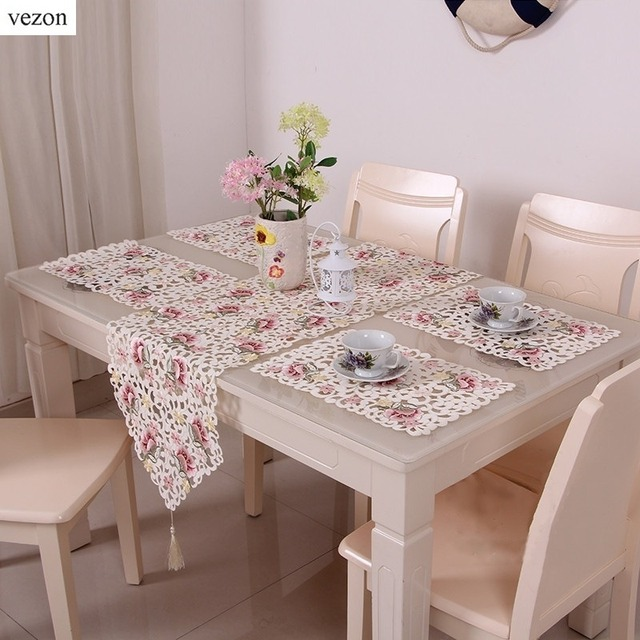 Vezon Elegant Floral Full Embroidery Table Runner Wedding Decoration Flag Runners Cutwork Embroidered Dining Room Cloth