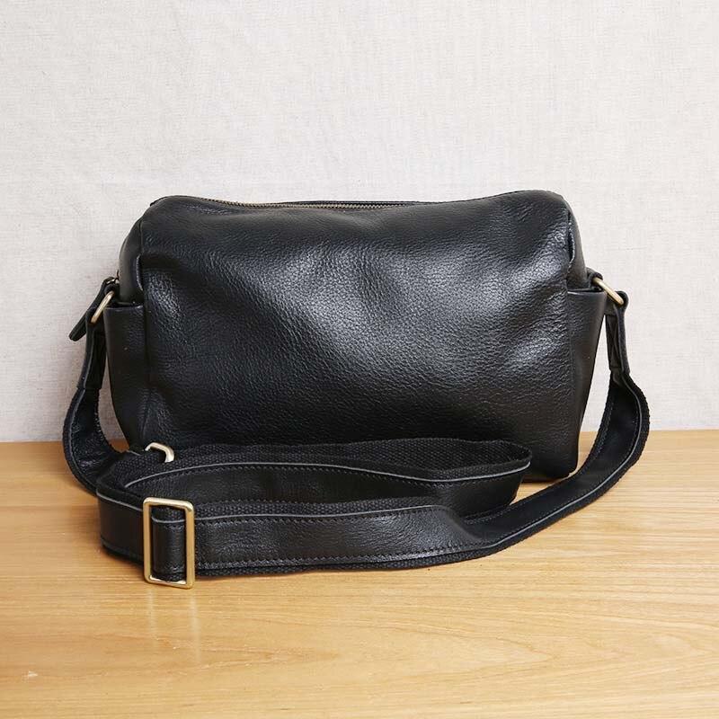 AETOO Men s leather shoulder bag Messenger bag casual leather retro youth men s bag small