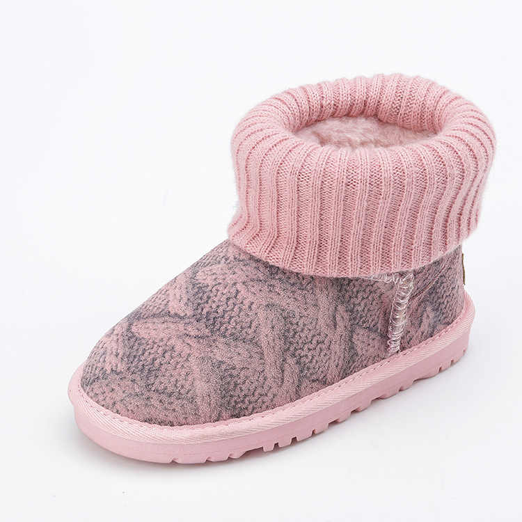 Snow boots, cowhide, warm, boys and girls, shoes, sweater, baby shoes, non-skid bottom.
