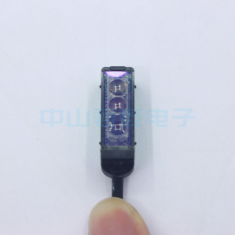 все цены на Free shipping High quality 100% new P+F Times Gabriel Sensor OBT30-R2 PN225919 Photoelectric Switch Sensor Original Genuine Spot онлайн