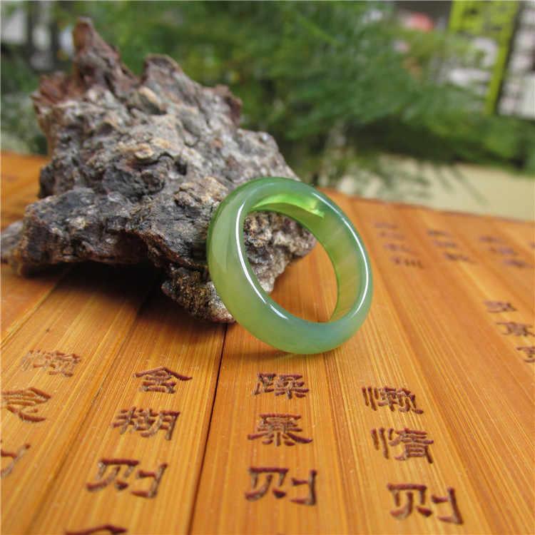 ชนิดน้ำแข็งธรรมชาติของแผ่นบางของพืชสีเขียวโมราแหวนหยกแหวนสำหรับผู้ชายและผู้หญิง