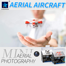 Quadrotor Quadcopter Drone Con La Macchina Fotografica 0.3MP CX-10C 4CH-Axis Elicottero con la luce del LED RC aeromobili 3D ribalta/rolls giocattoli