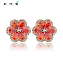 LUOTEEMI Wholesale Outstanding New Fashion Garnet Cubic Zircon Prong Setting Cheap Flower Shaped Earrings Woman