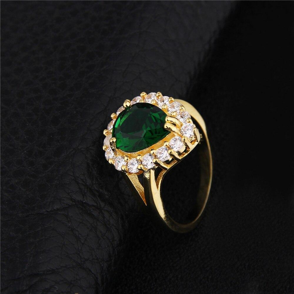 fa1feb98584b Encanto 585 anillo de color de oro vintage piedra verde joyería elegante  anillos para las mujeres de lujo rhinestone boda Anel DD201 en Anillos de  Joyería y ...