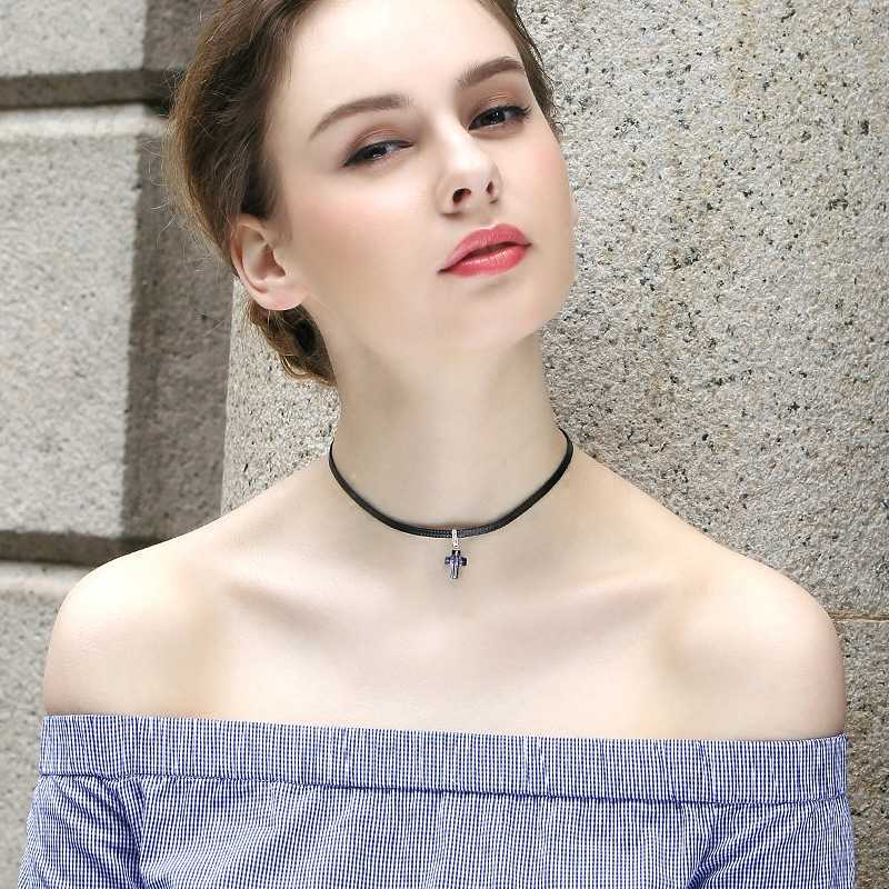 WARME FARBE Women Cross Pendant Choker Necklace Baroque Crystal from Swarovski  Necklace Clavicle with Black Rope 0e9c635bbdaf