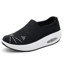 Damping Women Sneakers Reflective Platform Walking Shoes Woman Breathable Female Shoe Slip On Sapatilhas Mulher Big Size 35-41 2018 women shoes spring autumn new sports ladies shoes walking breathable sapatilhas walking shoes women sneakers platform shoe